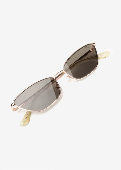 Sunglasses with light frame