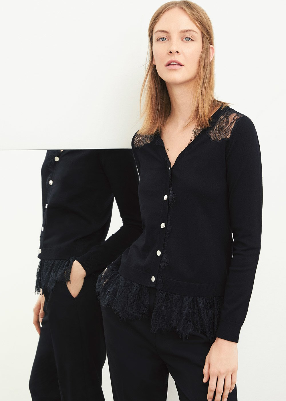 Camel cardigan with scalloped lace - Black - Woman