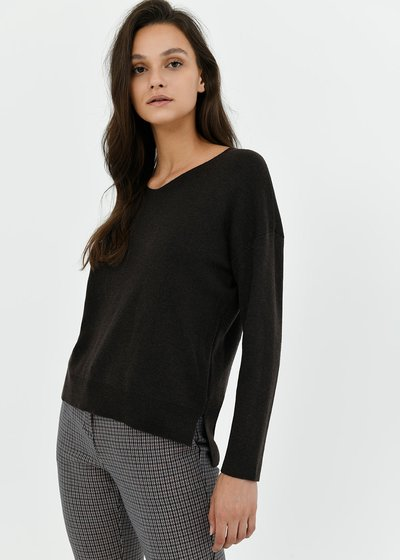 V-neck sweater with side cuts