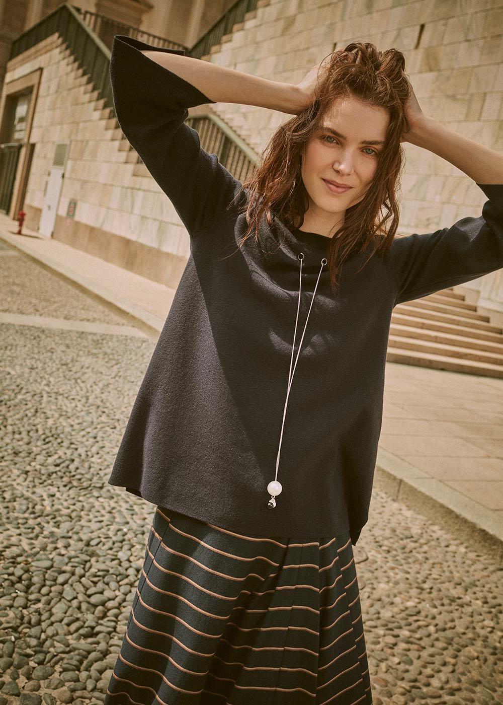 Mirta sweater with jewel pendant - Ultramarine - Woman