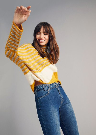 Marty sweater with asymmetric cut