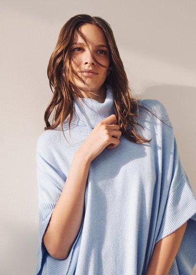 Margot cape model sweater