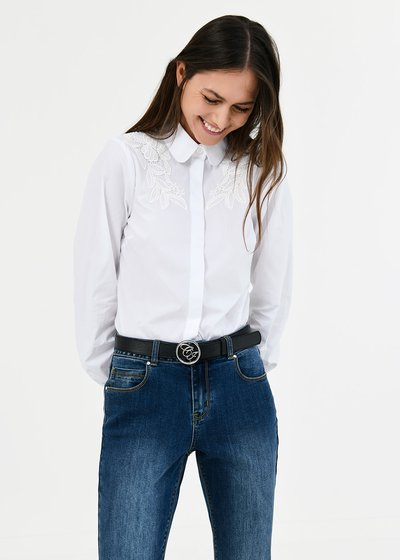 Carla shirt with lace detail