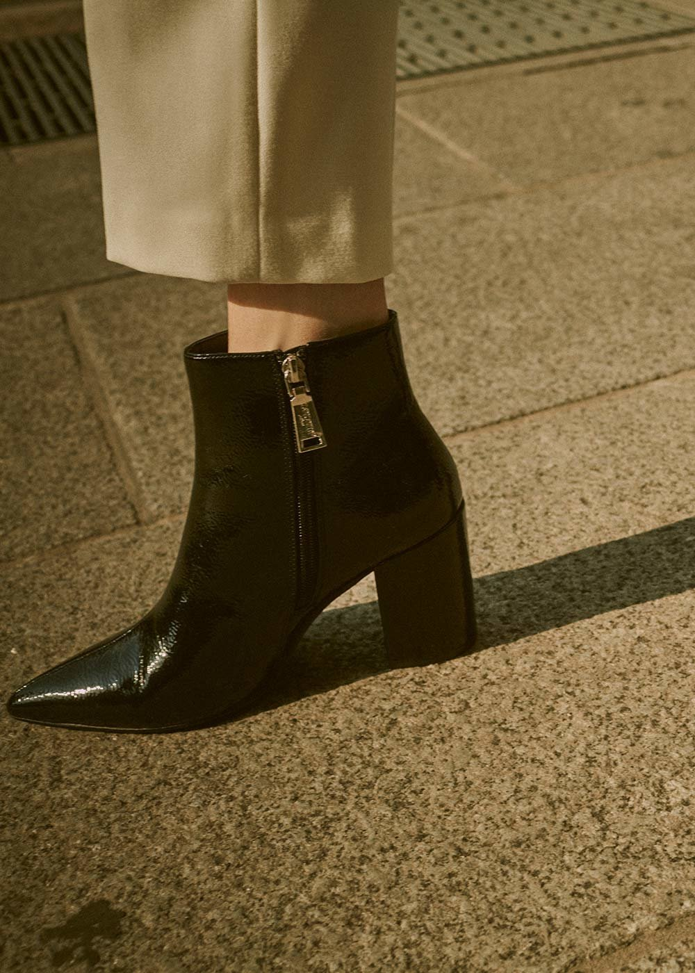 Sary patent faux-leather ankle boot with square heel - Black - Woman