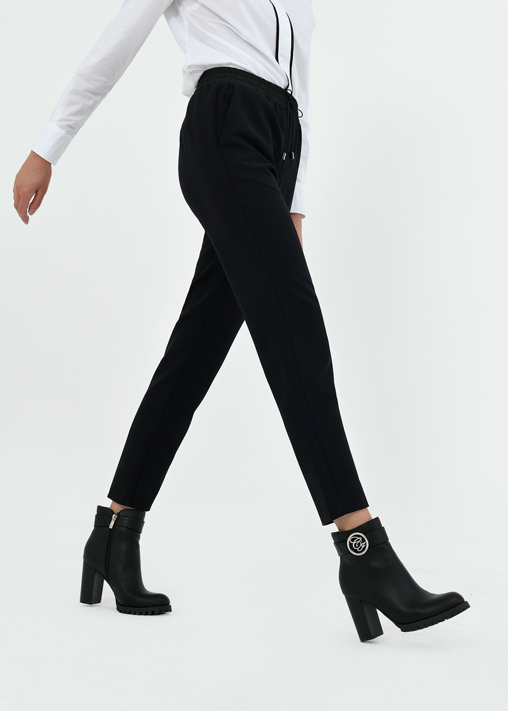 Cara slim-leg trousers - Black - Woman