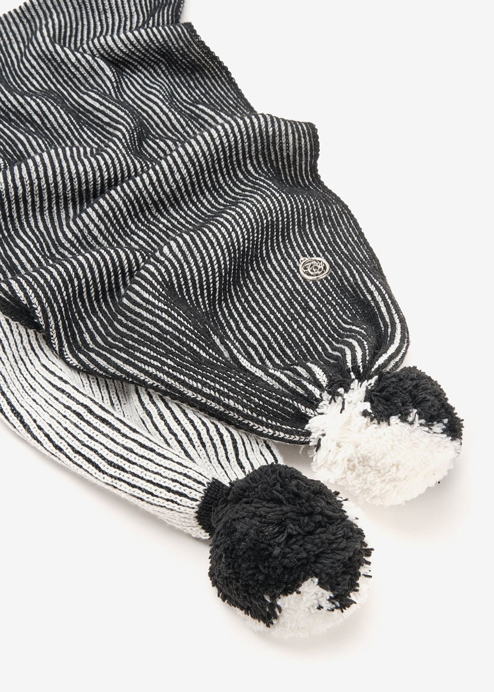 Sharry scarf with pompom on hem - Black / White - Woman