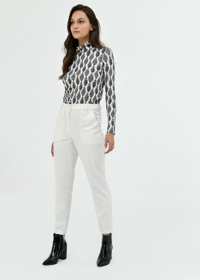 Lara trousers with patch pockets