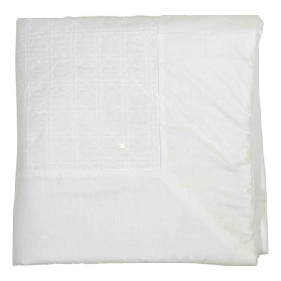 White cotton padded blanket