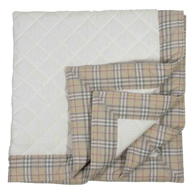 White quilted cotton blanket