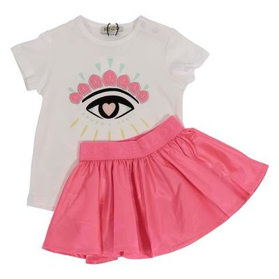 White jersey t-shirt pink techno fabric skirt set