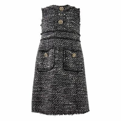 Abito grigio in tweed con bottoni decorati