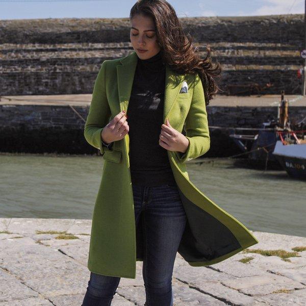 Manteau de luxe pour femmes, vert citron.