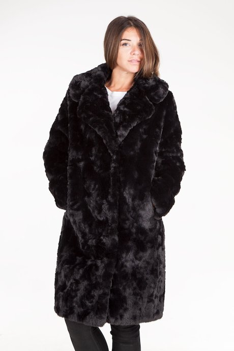 Faux fur coat with revers