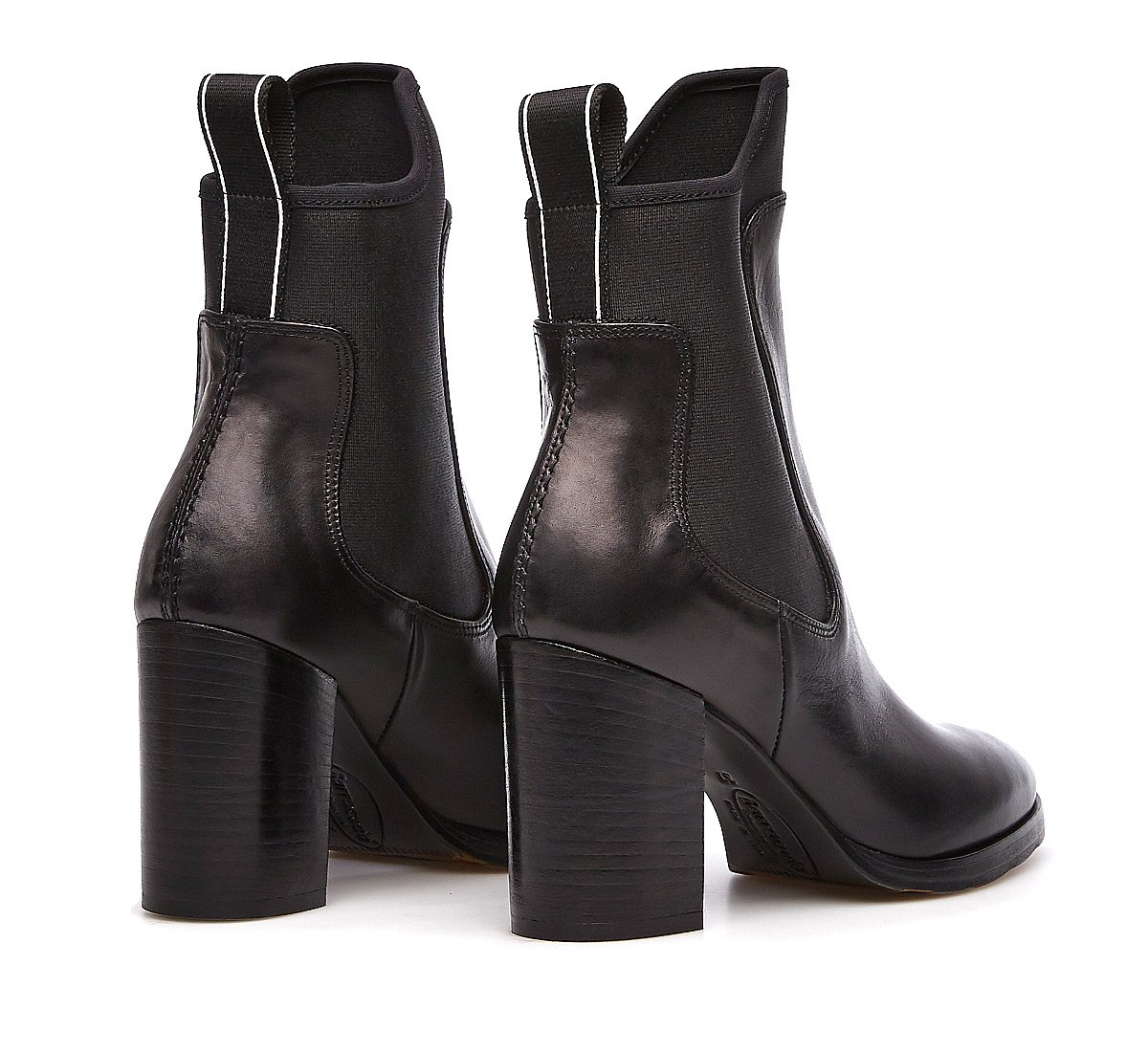 Boots in calf leather