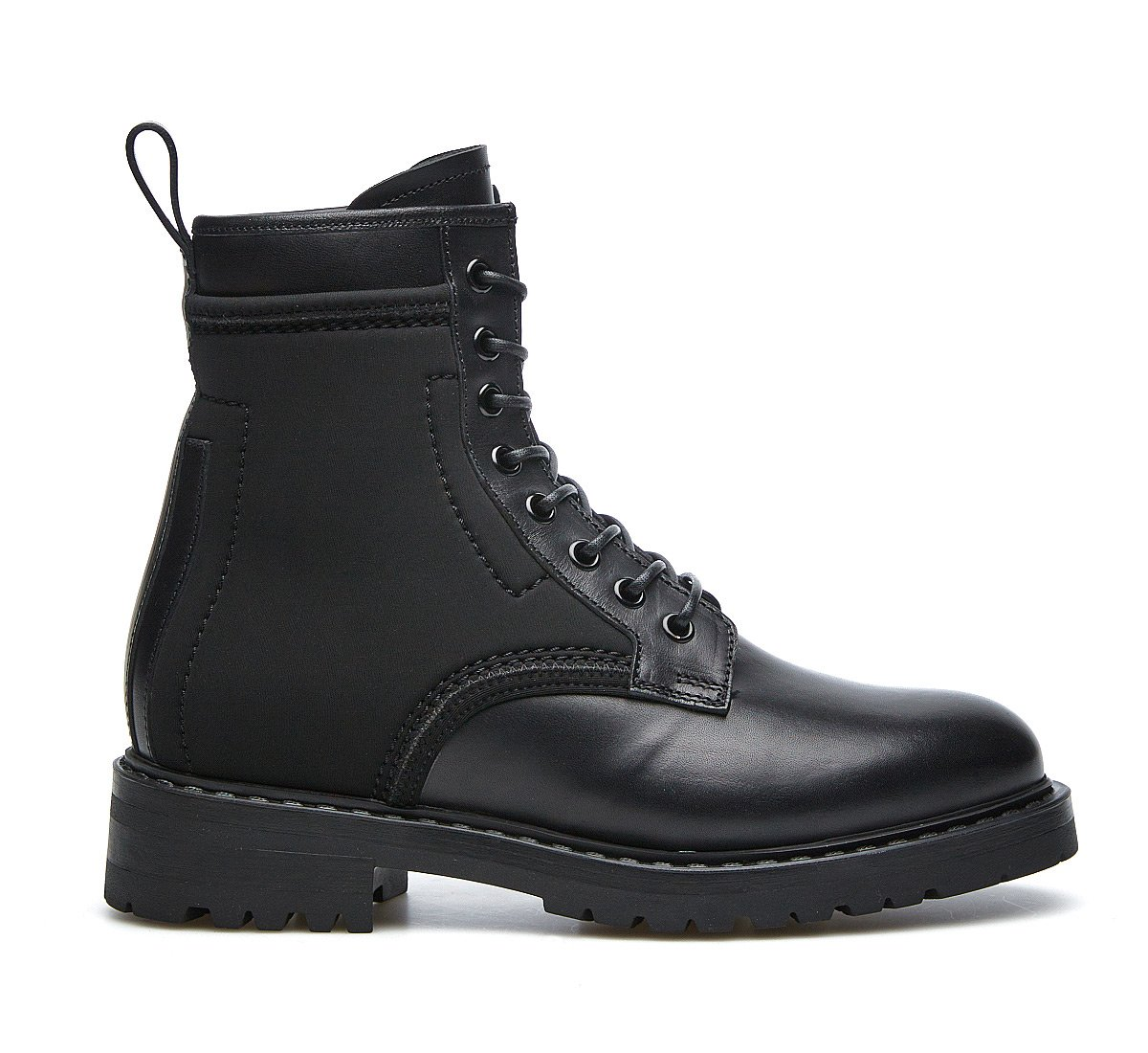 Barracuda total black combat boots in calf leather