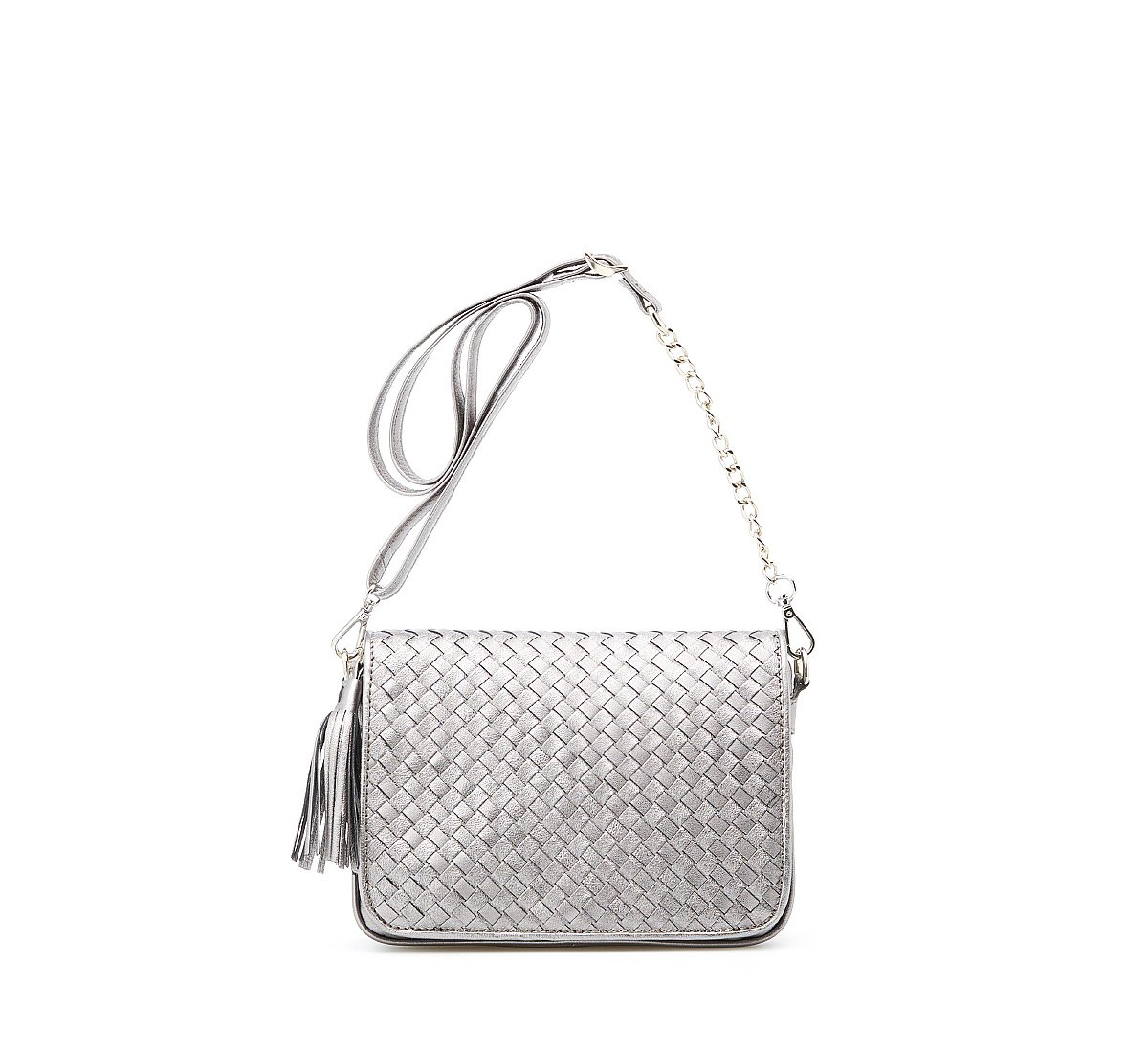 Shoulder bag with weave