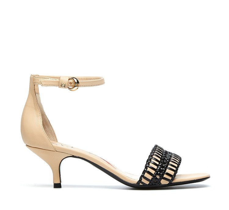 Calfskin sandals with embroidery