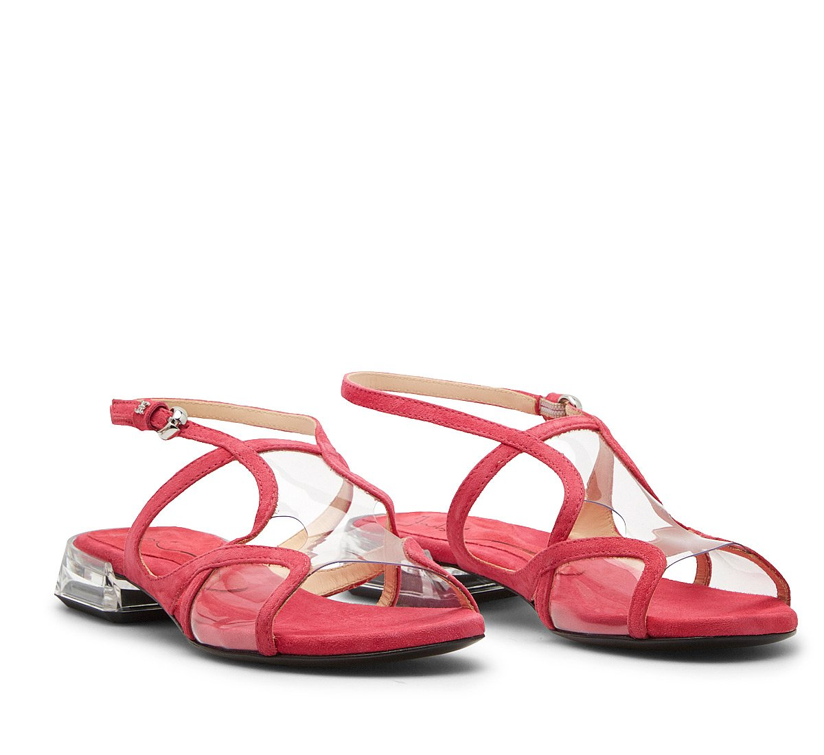 Sandals in patent leather