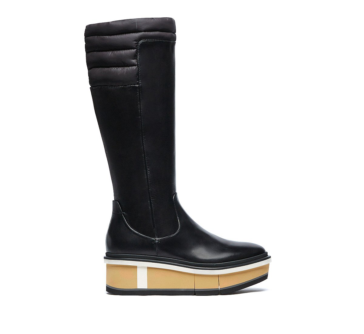 Hybrid boot in soft nappa