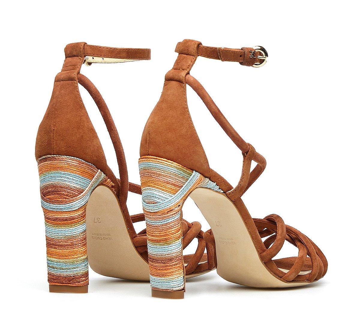 Weaving sandals in woven calfskin