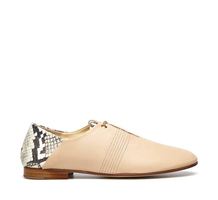Туфли на шнуровке из мягкой телячьей кожи