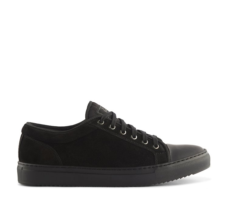 Sneaker in morbido suede