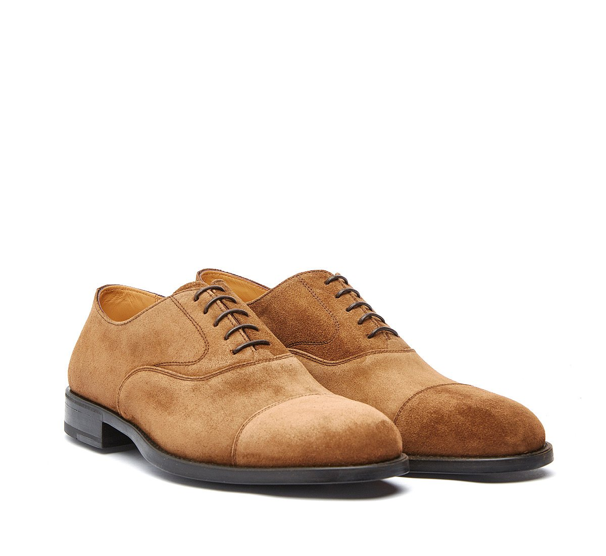 Oxford shoe in suede