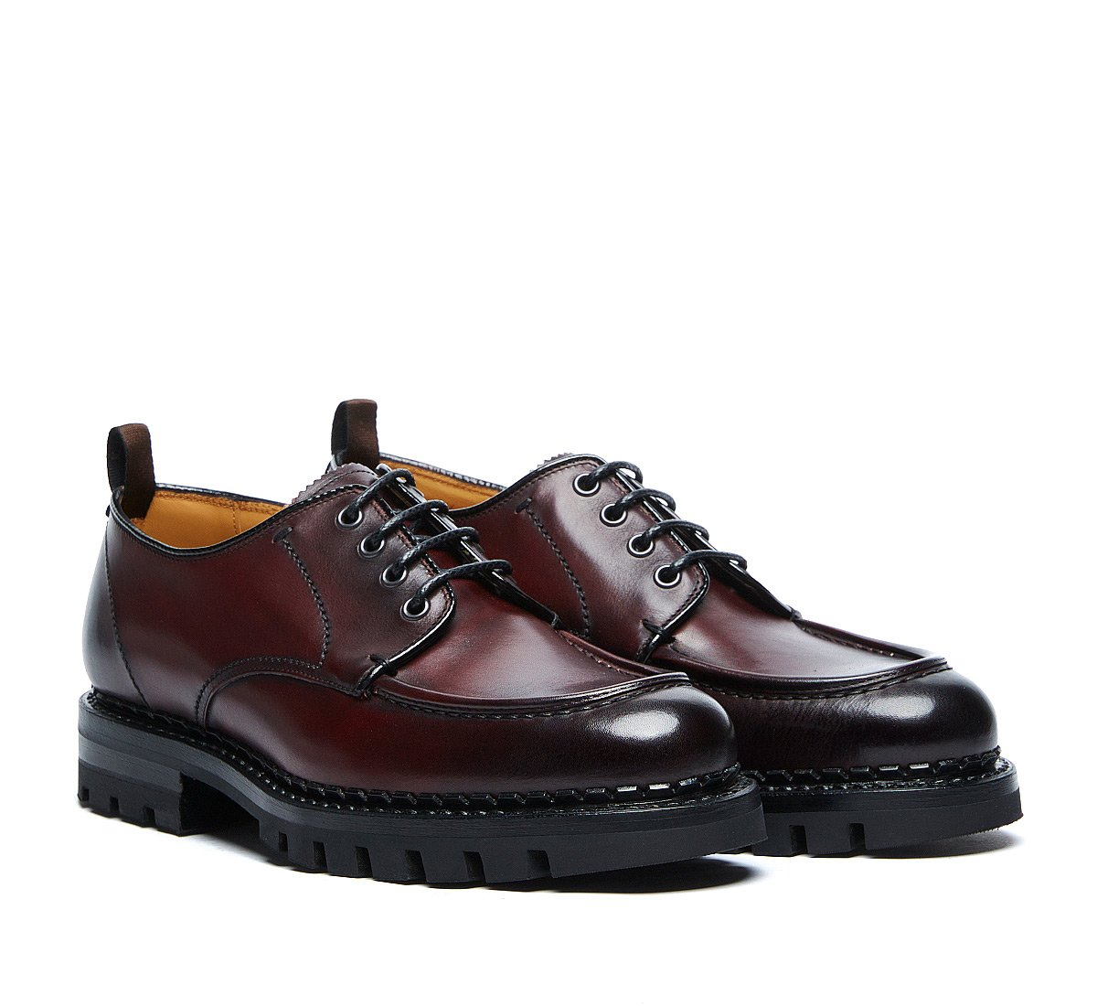 Lace up in calf leather padded by hand - Flex Goodyear construction