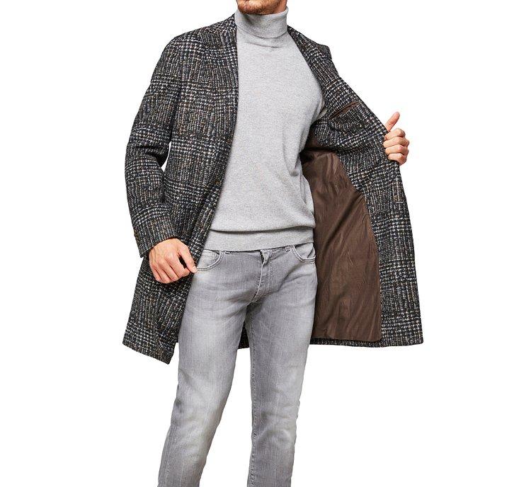 Cappotto con colletto a revers
