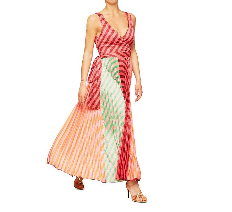 Sleeveless, soft fabric dress