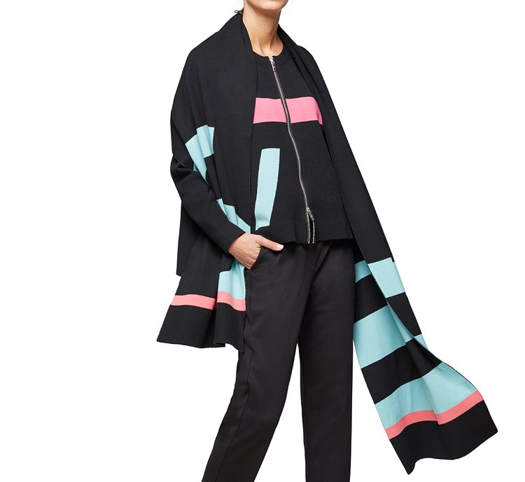 Черный макси-шарф из смесовой вискозы