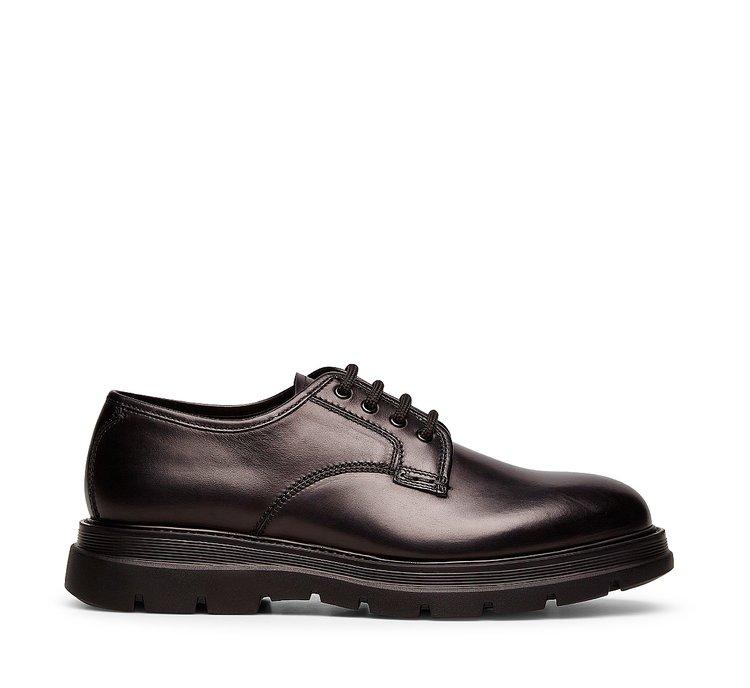 Туфли на шнуровке из телячьей кожи классического силуэта