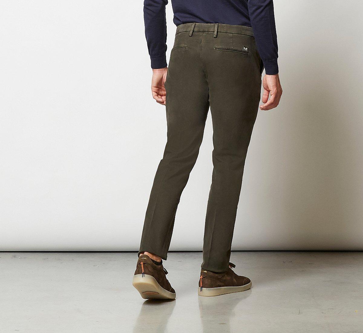 Pantalone taglio classico