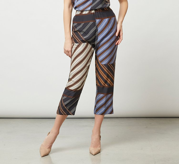 Light fabric trousers