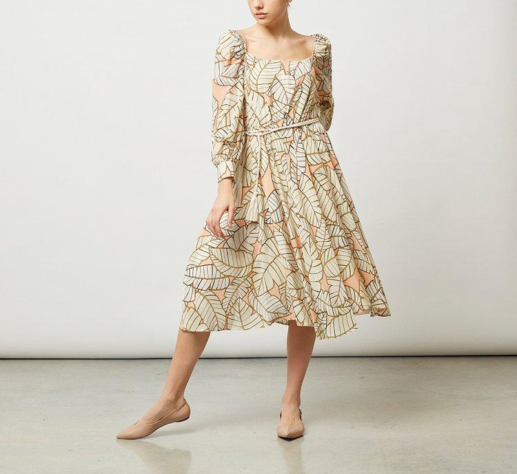 Платье из ткани до колена