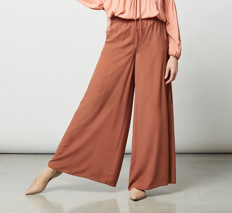 High-waisted fabric trousers