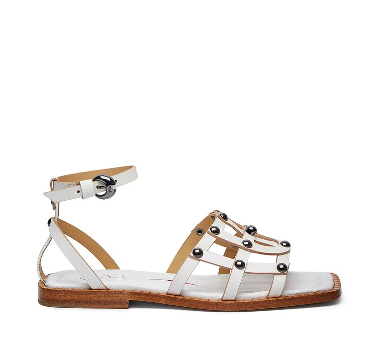 Sandals in exquisite calfskin