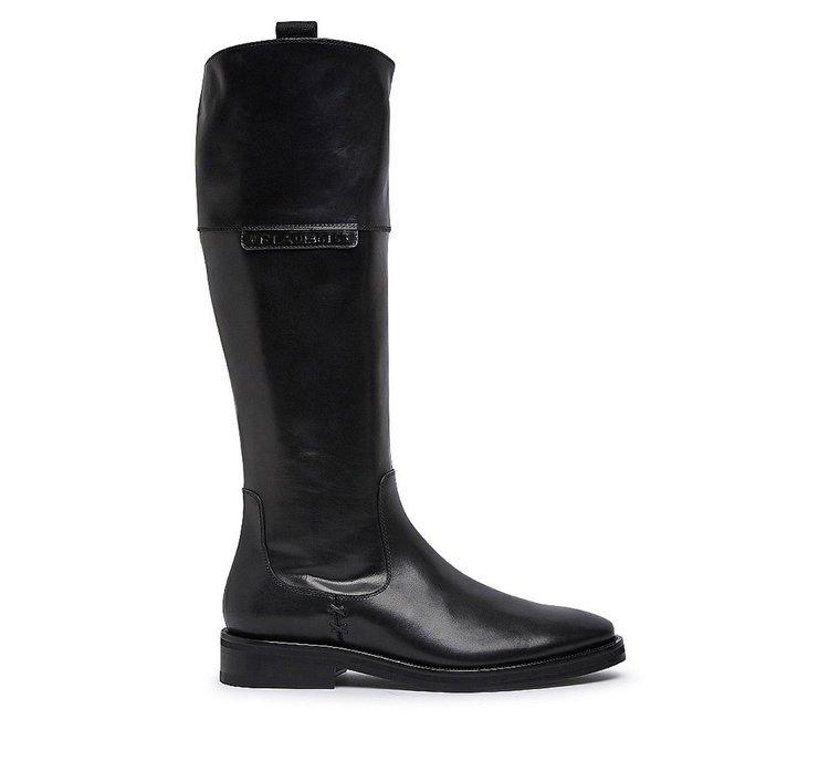 Exquisite calfskin boots