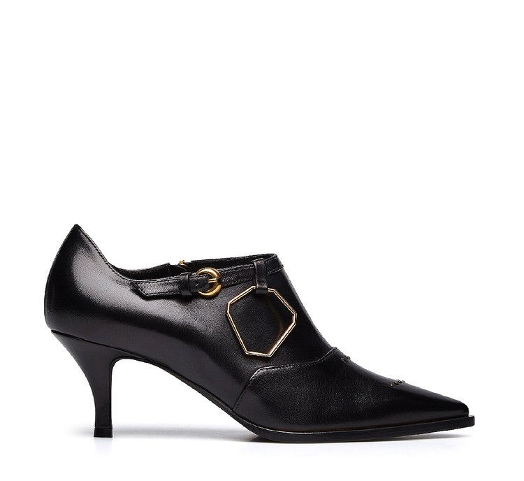Closed nappa leather pumps