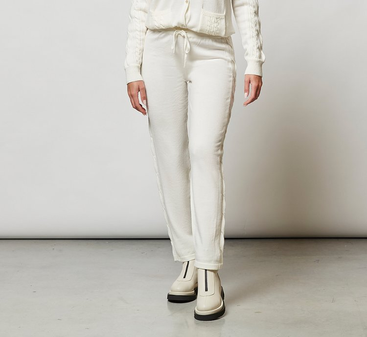 Trousers with adjustable waist