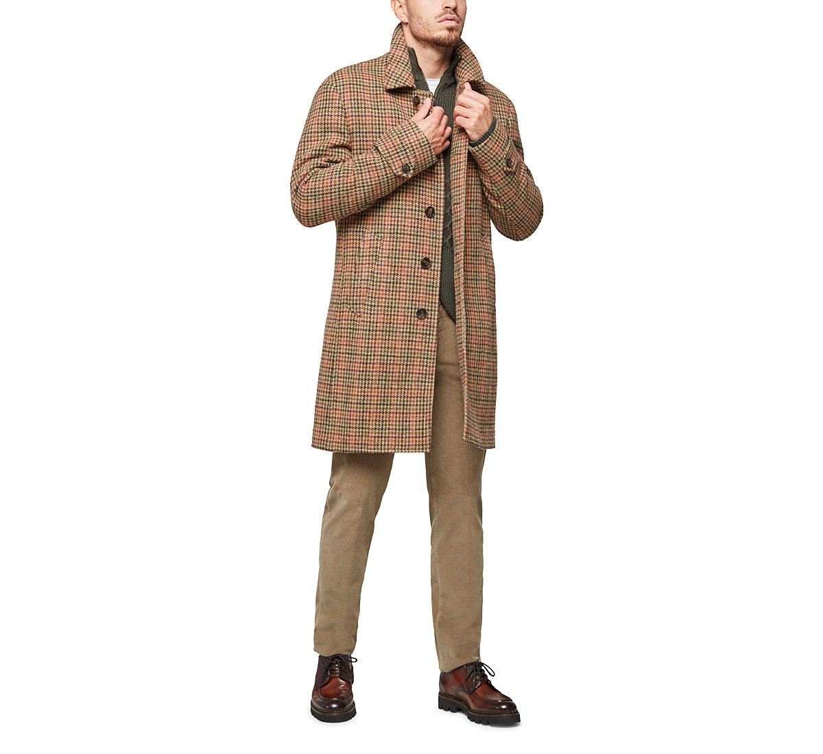 Coat with lapel collar