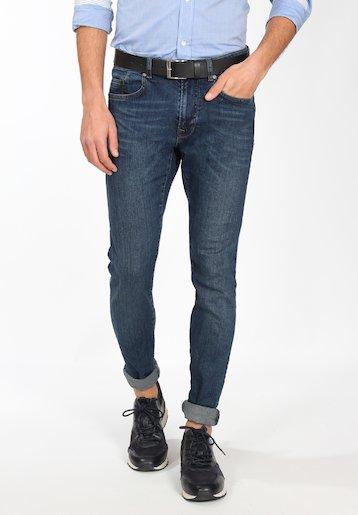 Pantalón vaquero slim lavado medio