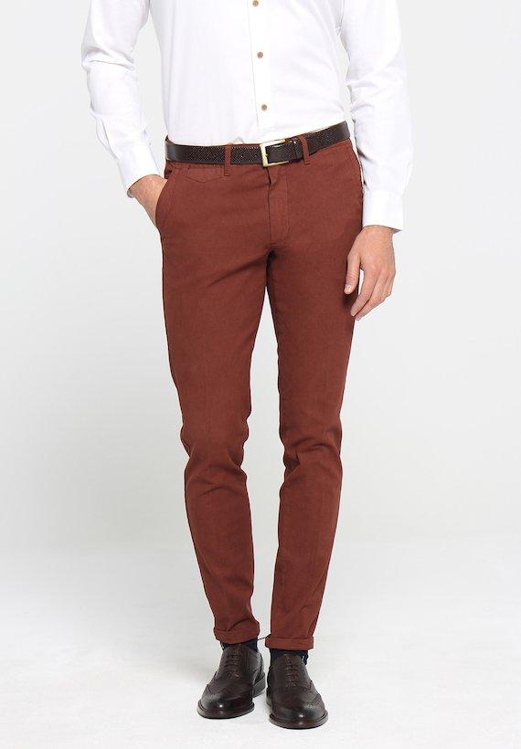Pantalón chino pespunte