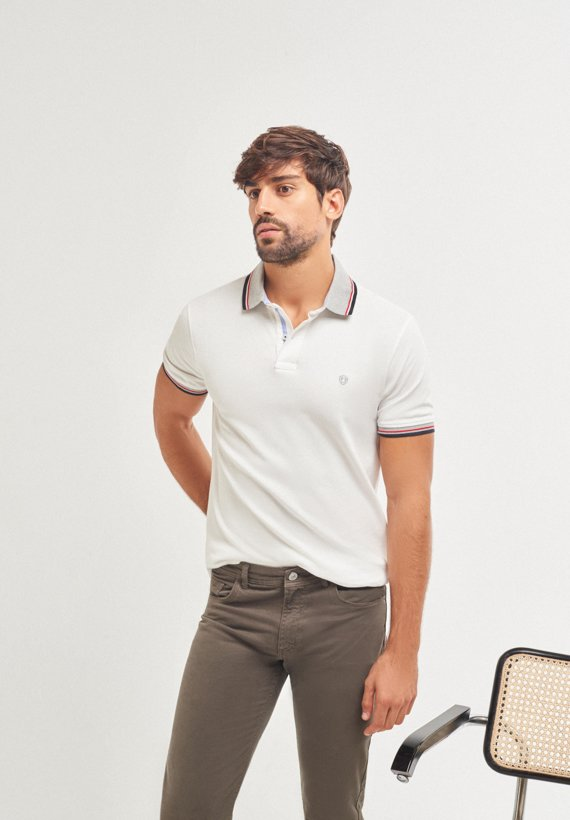 Polo regular fit con cuello a contraste - White