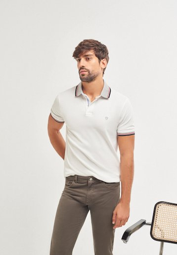 Polo regular fit con cuello a contraste