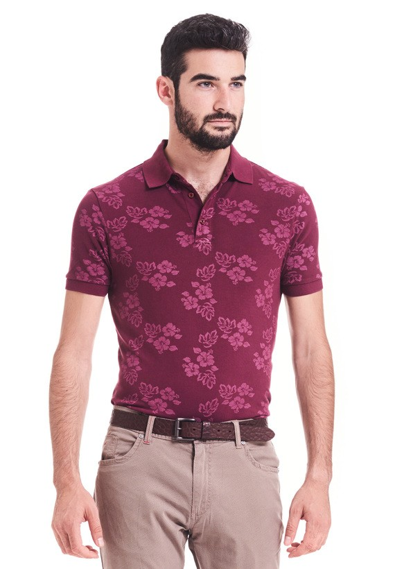 Polo slim fit  con estampado de flores hawaianas