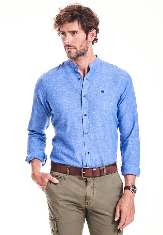 Camisa regular lisa cuello mao - Azul