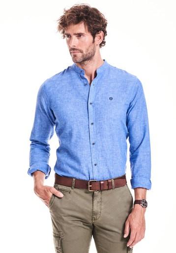 Camisa regular lisa cuello mao