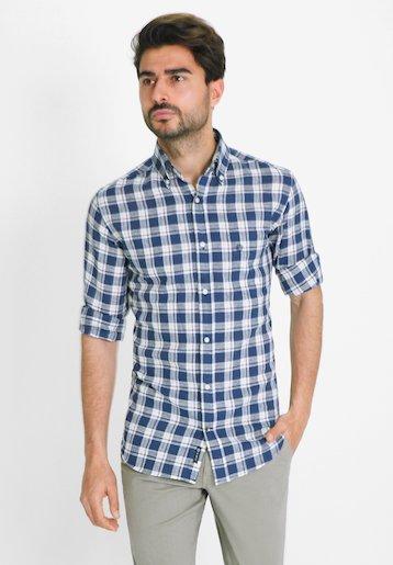 Camisa regular fit de cuadros en algodón lino