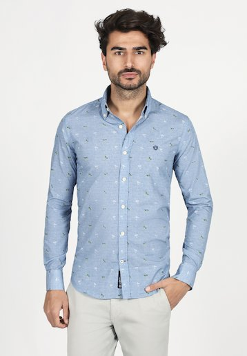 Camisa slim fit con estampado de palmeras